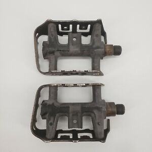 Wellgo Bicycle Pedals Left and Right