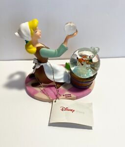 DISNEY STORE CINDERELLA Snow Globe Jaq and Gus Cleaning Floor Bubbles Soap RARE