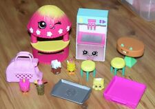 Shopkins HULA HUT ~ TABLE & CHAIRS ~ JUICE DISPENSER ~ DRINKS  Playset & More