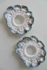 2 SERVIETTENRINGE, weiß blau, HANDARBEIT gehäkelt, D 6 c m, Rosette Blume Ring