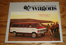 Original 1982 Dodge Wagon Sales Brochure 82 Ram B150 B250 B350