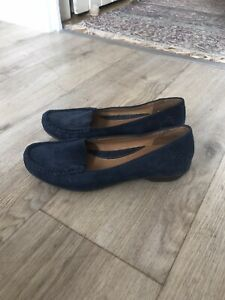 Clarks Active Air blue suede shoes, size 5.5 D / Eur 38.5.