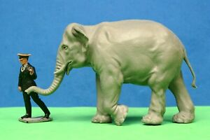 BRITAINS PLASTIC ZOO ANIMALS: #1311 INDIAN ELEPHANT & 1391 KEEPER LEADING [B]