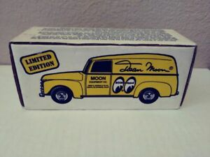 ERTL 1950 Chevy Panel Truck Die-Cast 1:25 Coin Bank, Dean Moon Limited Edition
