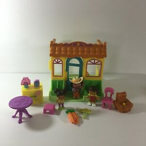 2005 Dora The Explorer House Playset & Figures Lot