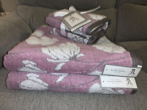 Rachel Ashwell Bath Hand 4 Piece Floral Flowers Towel Set Purple White Gray