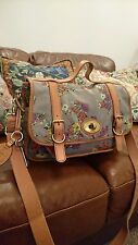 Fossil maddox leather and canvas messager bag good condition, 14L by  10 H  6D.