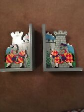 LOVELY PAIR OF WOODEN KNIGHTS CASTLE BOOKENDS