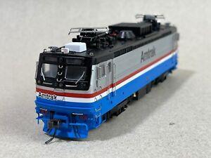 ATLAS HO 8573 AEM-7 Locomotive Amtrak  BRAND NEW