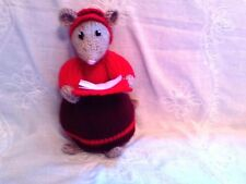 NEW HAND KNITTED DICKENSIAN MOUSE/MICE CAROL SINGER