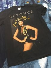 """Beyonce """"The Mrs.Carter Show"""" Wolrd Tour Tee Size Small"""