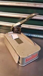 "LASSCO Corner Rounder Model 20 Corner Rounder 1/4"" Die Business Card Trimmer"