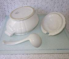 Vintage 3.5QT Bordallo Pinheiro C. Rainha Classic White Soup TUREEN, LID & LADLE