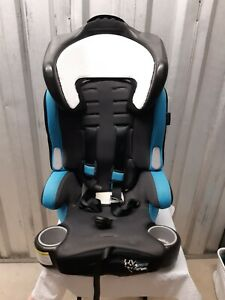 Baby Trend hybrid 3 in 1 car seat. Blue and Black for Toddlers.