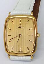 Vintage mujeres OMEGA de Ville Cuarzo Reloj. 26x30mm Dial dorado.