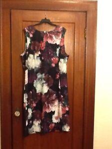 Calvin Klein Womens Dress. Size 24 Wear to Work Dress Floral print