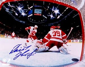 Dominik Hasek autographed signed autograph Detroit Red Wings 8x10 photo Steiner