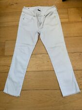 Womens American Eagle 3/4 Length White Jeans. Size 8R