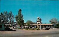 Tucson Arizona~Folks arriving at the Benson Motel~Petley 1960s