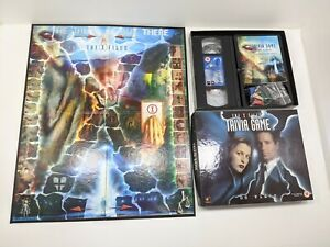 Play The Phenomenon THE X-FILES VHS BOARD GAME - Season 1-3 New Sealed
