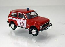 Sowjetische Armee : Oldtimer  Lada 1600 Modellauto Busch H0 50563