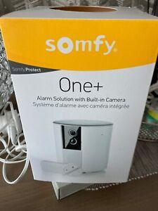 Somfy One+All-in-One Sicherheitskamera mit Alarmanlage