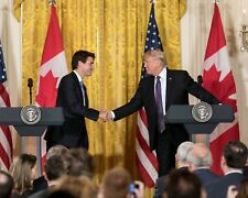 DONALD TRUMP WITH CANADIAN PRIME MINISTER JUSTIN TRUDEAU - 8X10 PHOTO (AB-336)