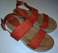 Bamboo Red Strappy Platform Espadrille Sandal Women's Size 8 / 38