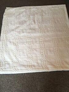 vintage white / off white / winter white candlewick bedspread sgl /sm doub 2610a