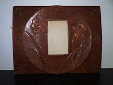 Beau cadre photo en cuir décor de fleurs travail de poilu WW1 Trench Art 14 18