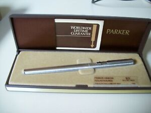 Lot A -  Parker Arrow Stainless Steel Chrome Trim Fountain Pen  with Cased