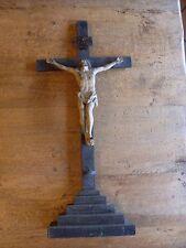 ANCIEN CRUCIFIX EN BOIS AVEC CHRIST EN METAL POLYCHROME