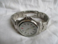 Silvertone Men's Watch, WR 5atm, White Dial, Date, Metal Link Band