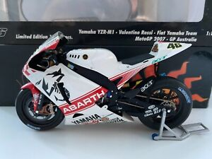 Minichamps 1-12 - Valentino Rossi - 2007 Yamaha YZRM1 - Australian MotoGP