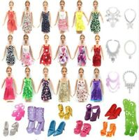 m1 BARBIE LOTTO 26 PZ 10 VESTITI 10 PAIA DI SCARPE 6  COLLANE DOLL ACCESSORIES