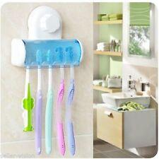 Gobelets et porte-brosse à dents blanches en plastique pour la salle de bain