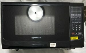 Farberware Classic 0.7 Cu. Ft. Countertop Microwave Oven in Black,FMO07ABTBKA
