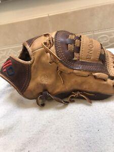 "Nokona AB-1200 12"" Buffalo Baseball Softball Pitchers Glove Right Hand Throw"