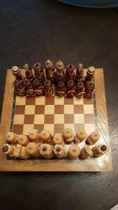 échiquier/jeu d'échec complet ancien bois theme Russie