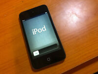 Used Apple iPod touch 4th Generation Black (8GB) Bundle