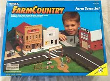 ERTL Farm Country Toy Town Building Set Feed Store Tractor Repair  1/64 NIB