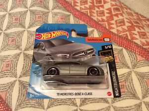 Hot Wheels Nightburnerz - '19 Mercedes-Benz A-Class