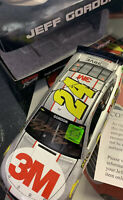Jeff Gordon 1:24 Autographed Diecast Hologram With Certificate