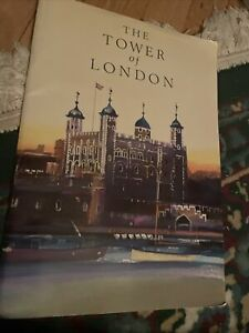 The Tower of London 1987 Official Guide Book England Souvenir