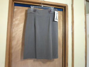 "N.W.T.--WRAPPER DARK GRAY ""STRETCH"" SKIRT WITH BACK ZIPPER--11--"