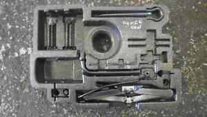 Renault Megane Convertible 2002-2008 Tool Kit Jack Set 8200280582