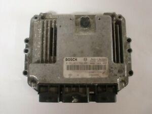 calculateur Bosch renault , 3 prises, 0281011724 / 8200311550  (réf 4861)