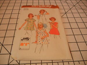 Simplicity 6990 Maternity Jiffy Tops. Size 10, bust 32 1/2. 1975