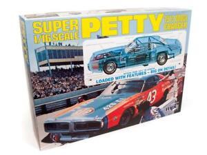 1:16 MPC RICHARD PETTY 1973 Dodge Charger Stock Car Plastic Model Kit *MISB*