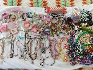 Big Fashionable Jewelry Lot For Child 250 Necklaces, Bracelets, Rings Ton of Fun